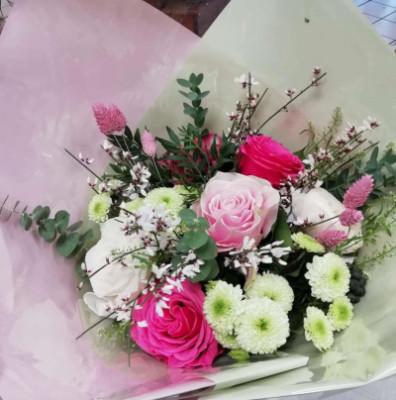 Envoi de bouquet de roses blanches rapide D'une fleur à l'autre à Chambéry