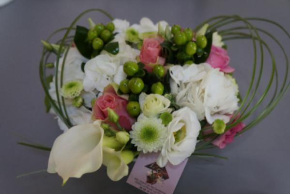 Faire livrer des bouquets de roses au bureau Idfleurs à Le Revest-les-Eaux