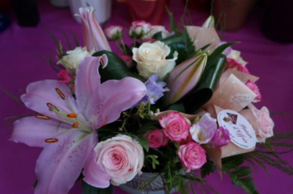 Envoyer compo floral jour férié Idfleurs à Le Revest-les-Eaux