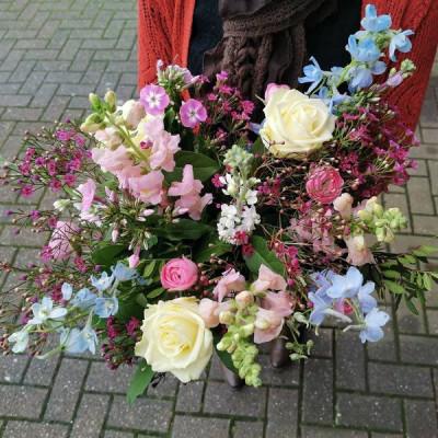 Faire livrer des bouquets de rose autour de moi Fleur de Celle... à Ottignies-Louvain-la-Neuve