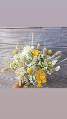 Offrir bouquet de rose par artisan fleuriste Akène Fleuriste Créatrice à Goudelin