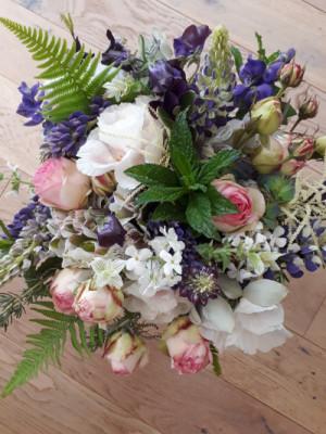 Bouquets  fleurs pas cher Akène Fleuriste Créatice à Goudelin