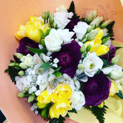 Faire livrer des pivoines saison en ligne Les Pipelettes Fleuries à Enghien-les-Bains
