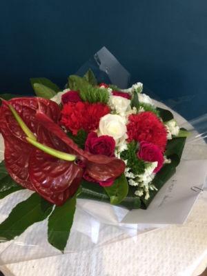 Offrir des bouquets de fleur jour férié Mademoiselle A. à La Mole