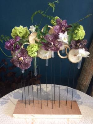 Livraison de composition floral de saison Mademoiselle A. à La Mole